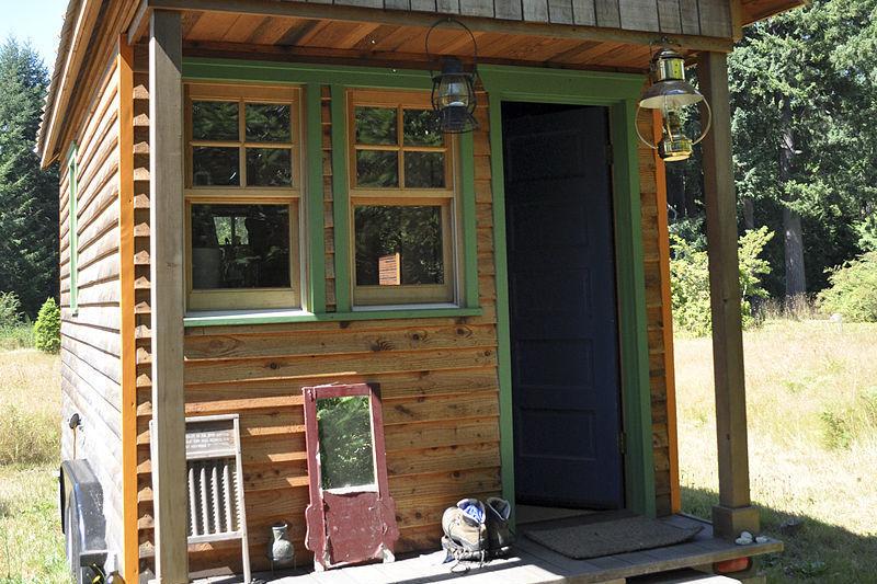 800px tiny house  portland yb7eqx