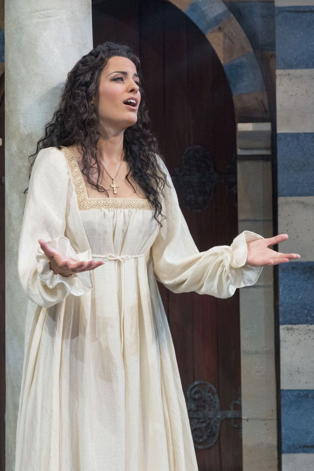 Elizabeth tredent sings the role of fiora in the love of three kings photo by rod millington dqlakd