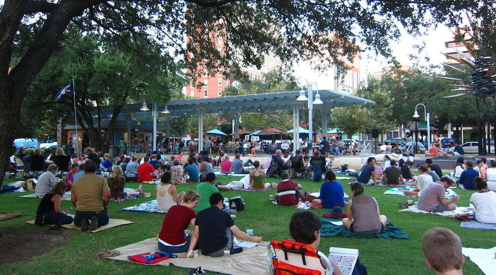 Blanket bingo market square park downtown houston nl2j3m