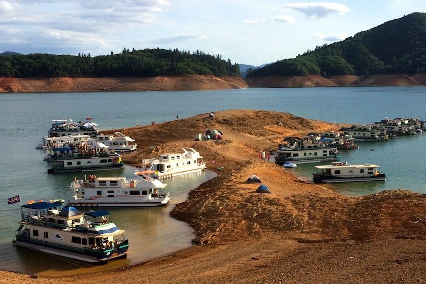 Rent A Houseboat On Shasta Lake Portland Monthly