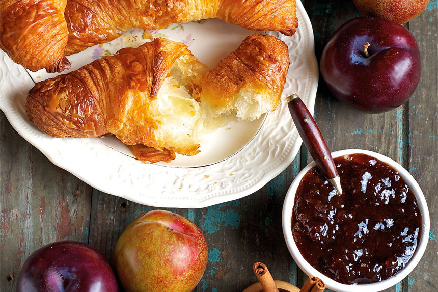 Croissant local preserves x85ke9