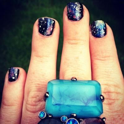 Space nails ftdqaz