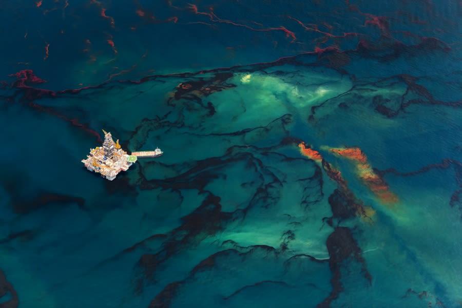Beltra 20100518 oil spill 2300 aka spill4 oltxlr