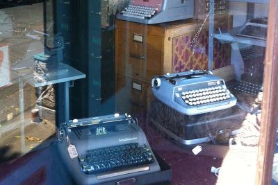 Typewriters bluemoonwindow  ehajha