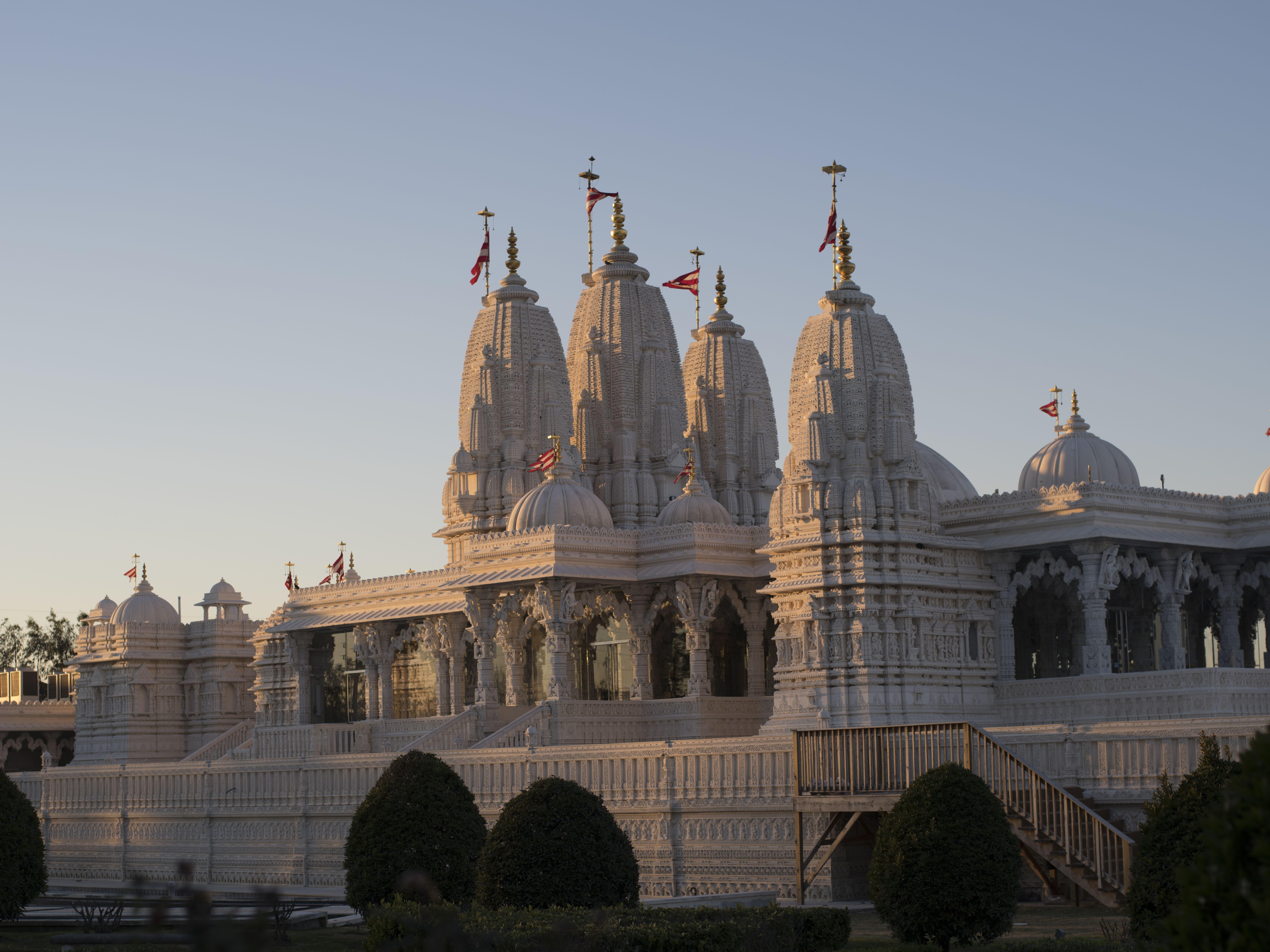 Shri swaminarayan mandir 011 zuqzlr