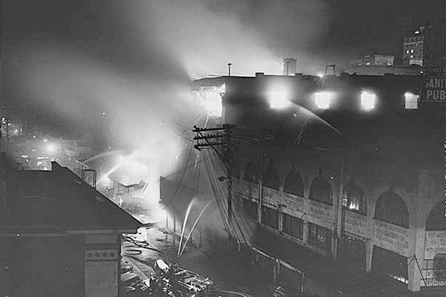 Pike place market fire 1941 uxxsd4