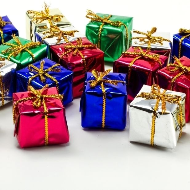 Beautiful gifts christmas gifts 22231353 1152 768 wsxl13