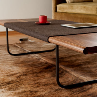 Ample sfelt table kshaby