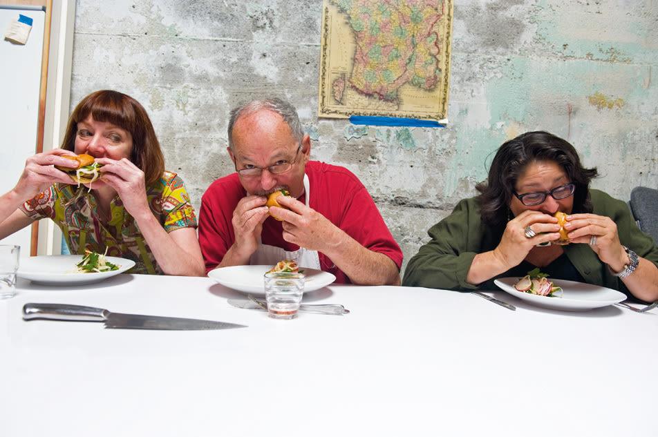 08 51 burgerbattle eating fcu5fa