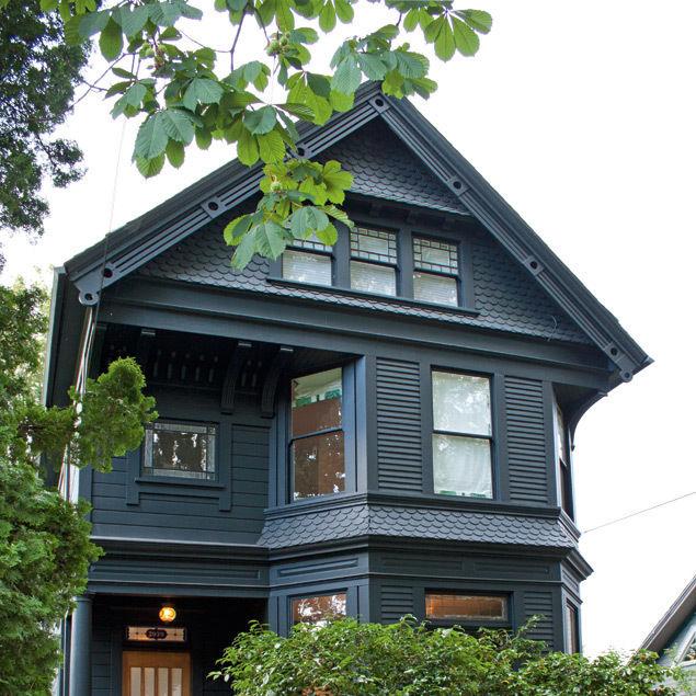 Victorian house u8cycb