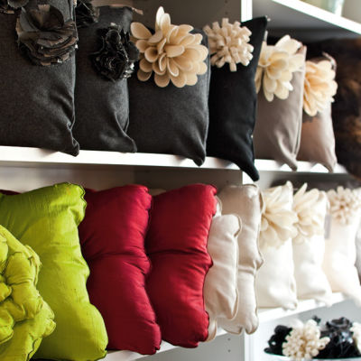 07 33 cornershop pillows s193pv