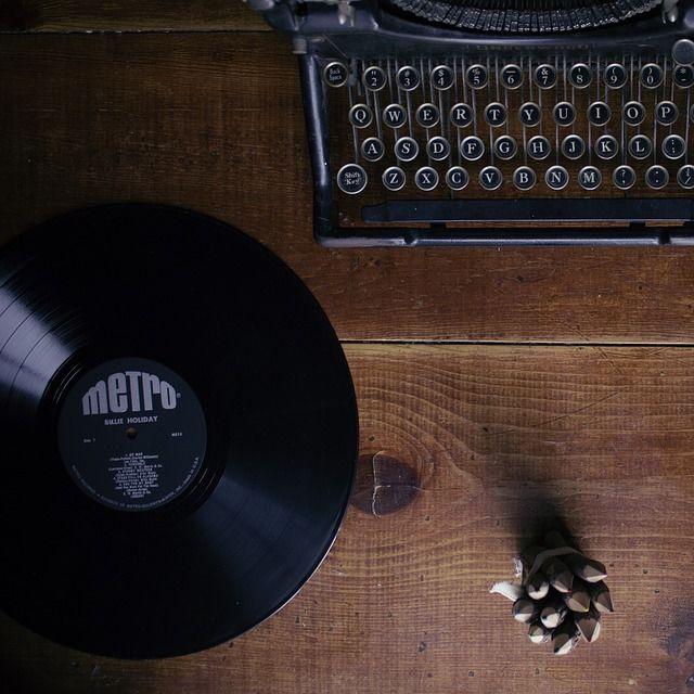 Typewriter 1148939 960 720 htqexj