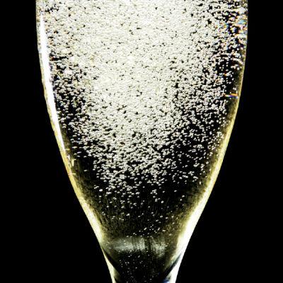 0413 pour bubbles gwdttm