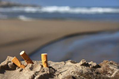 Cigarettes in sand daleen loest odpmjk