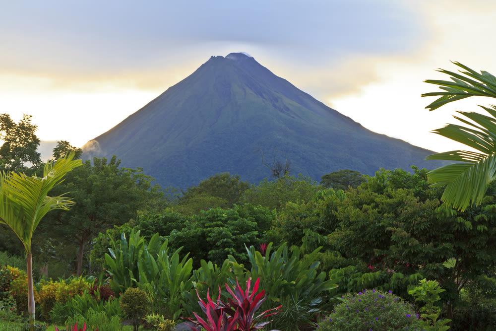 Arenal volcano  la fortuna  costa rica nu6s8t