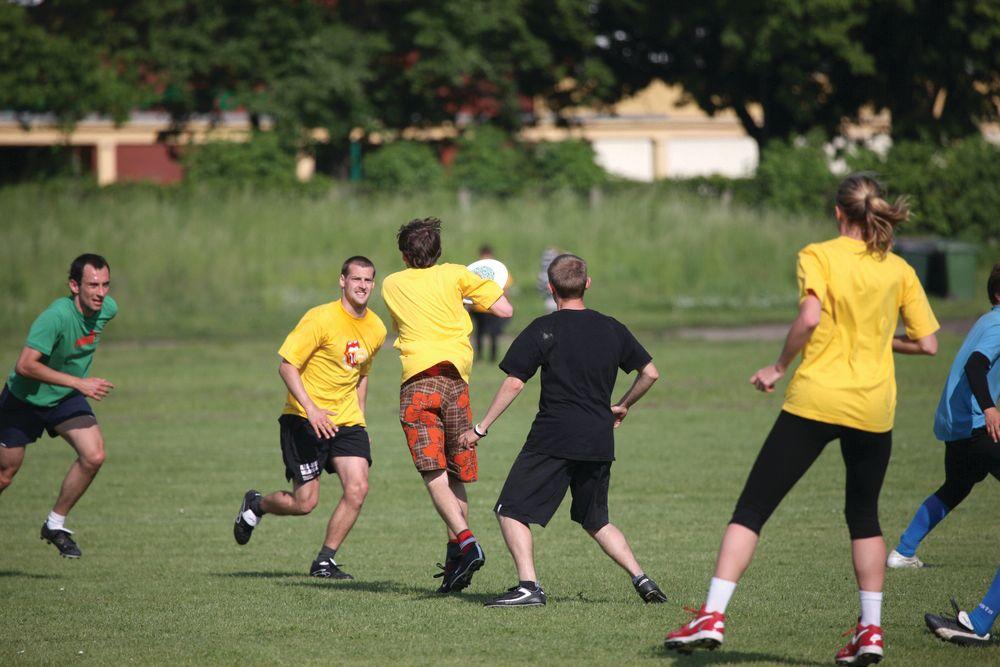 Ultimate frisbee shutterstock 12977428 snhxyg