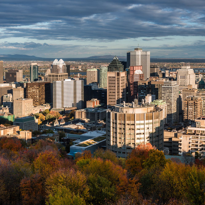 Montreal skyline  canada n9iqdt