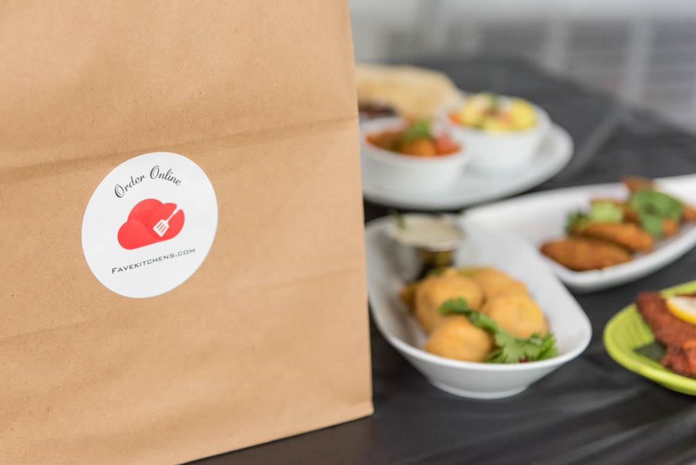 FaveKitchens delivery bag