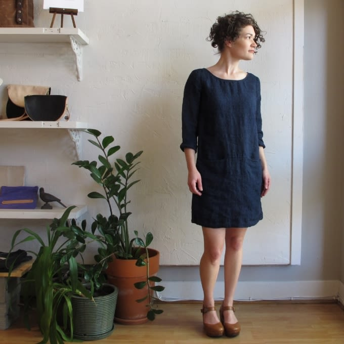 Blue linen pocket tunic by nuthatch at velouria ballard made in maine .16 zrfaqr