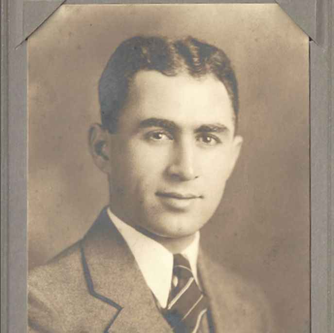Granddad   1935 kuhd48
