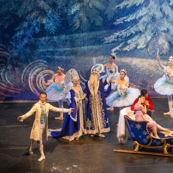 6   moscow ballet snow scene with father christmas and snow maiden i2imr4