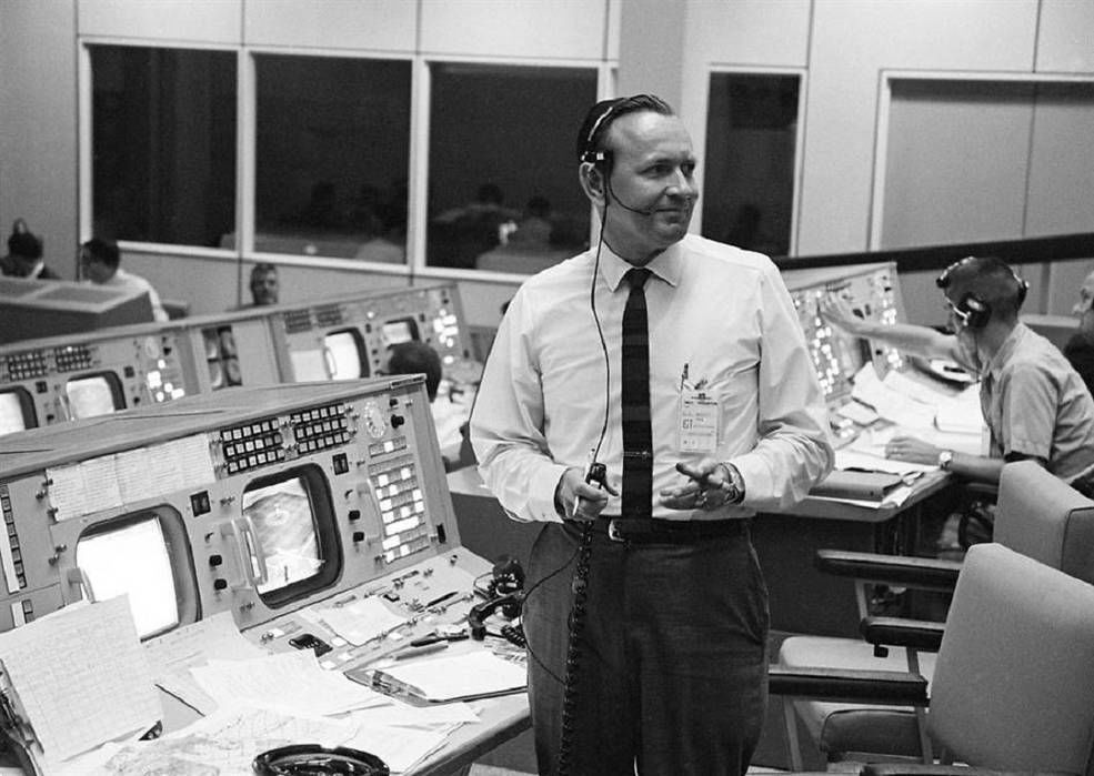 Remembering Chris Kraft, NASA's First Flight Director