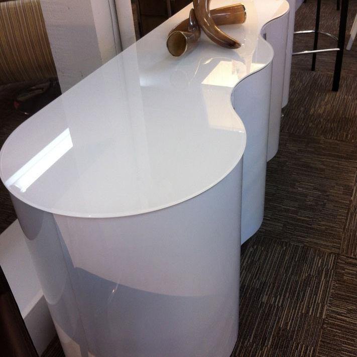 Modurne white cabinet bqtvno