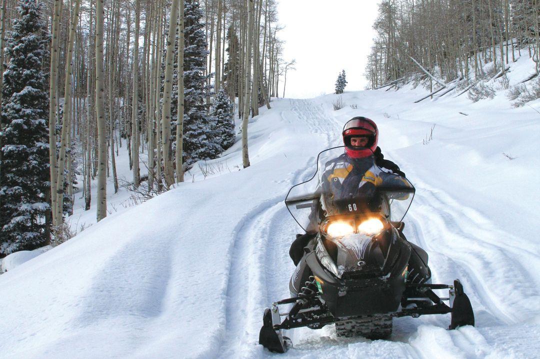 Snowmobile fn741j