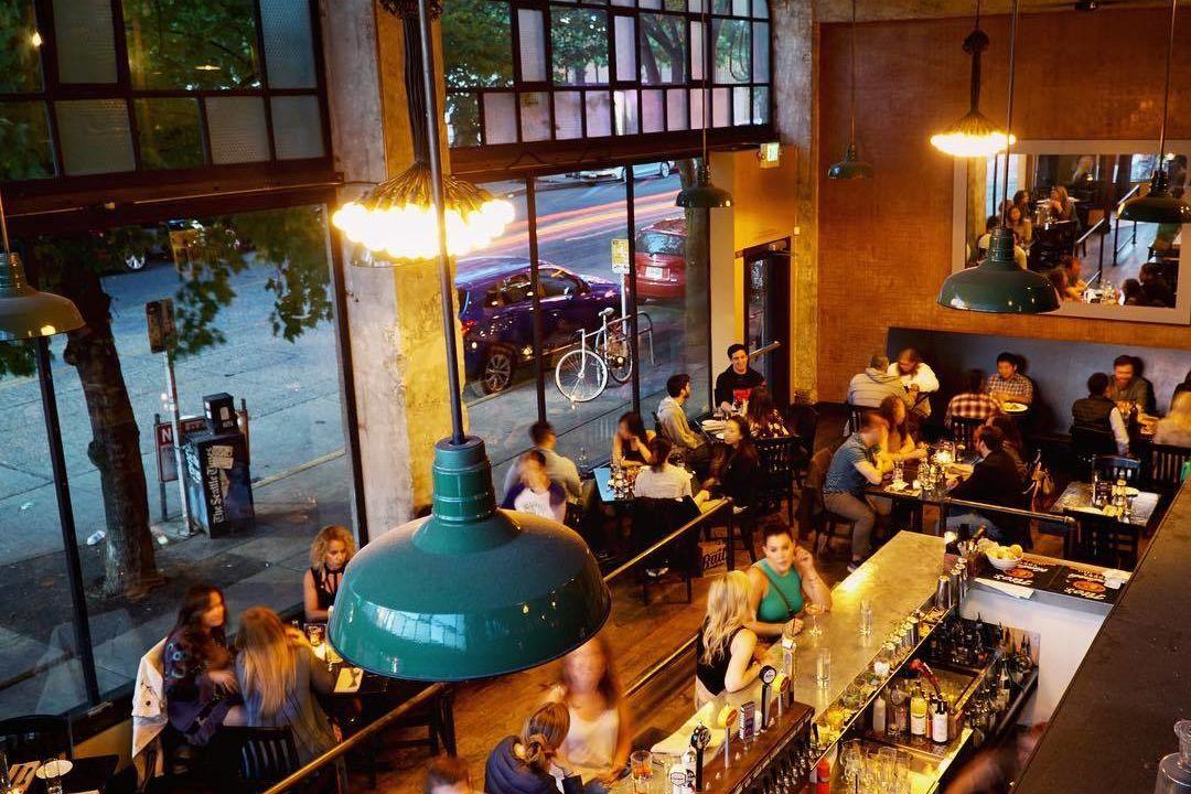 Quinns pub f6mhf8