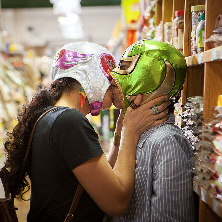 Signaturemove zaynab and alma grocery store kiss n1wklu