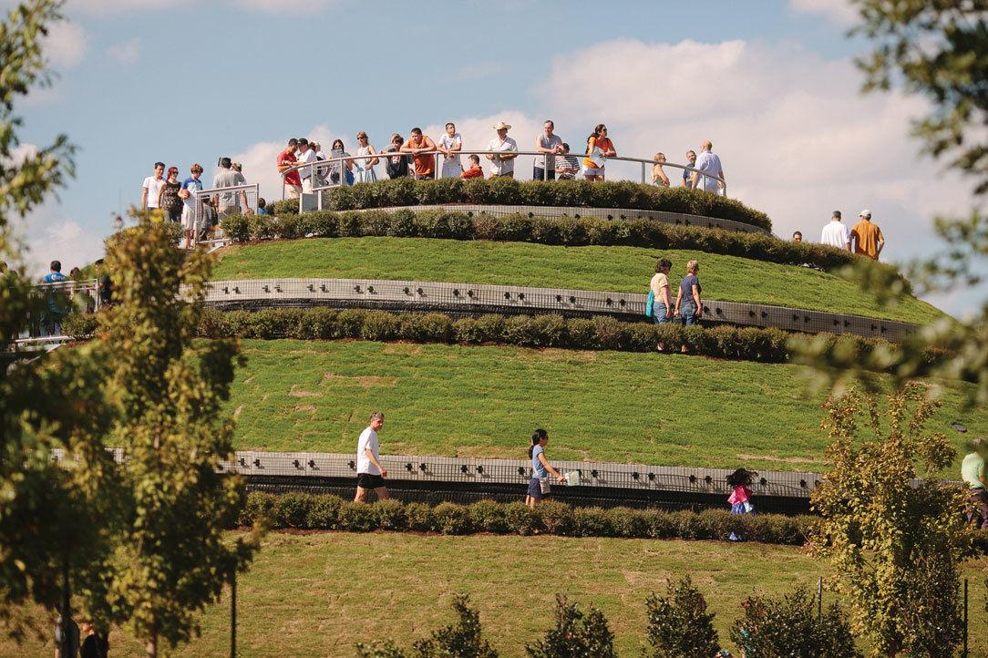 0215 gardening mcgovern centennial gardens hermann park leozw9