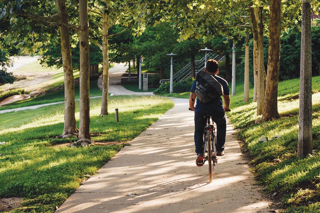 0715 bicycling buffalo bayou park wxo0du
