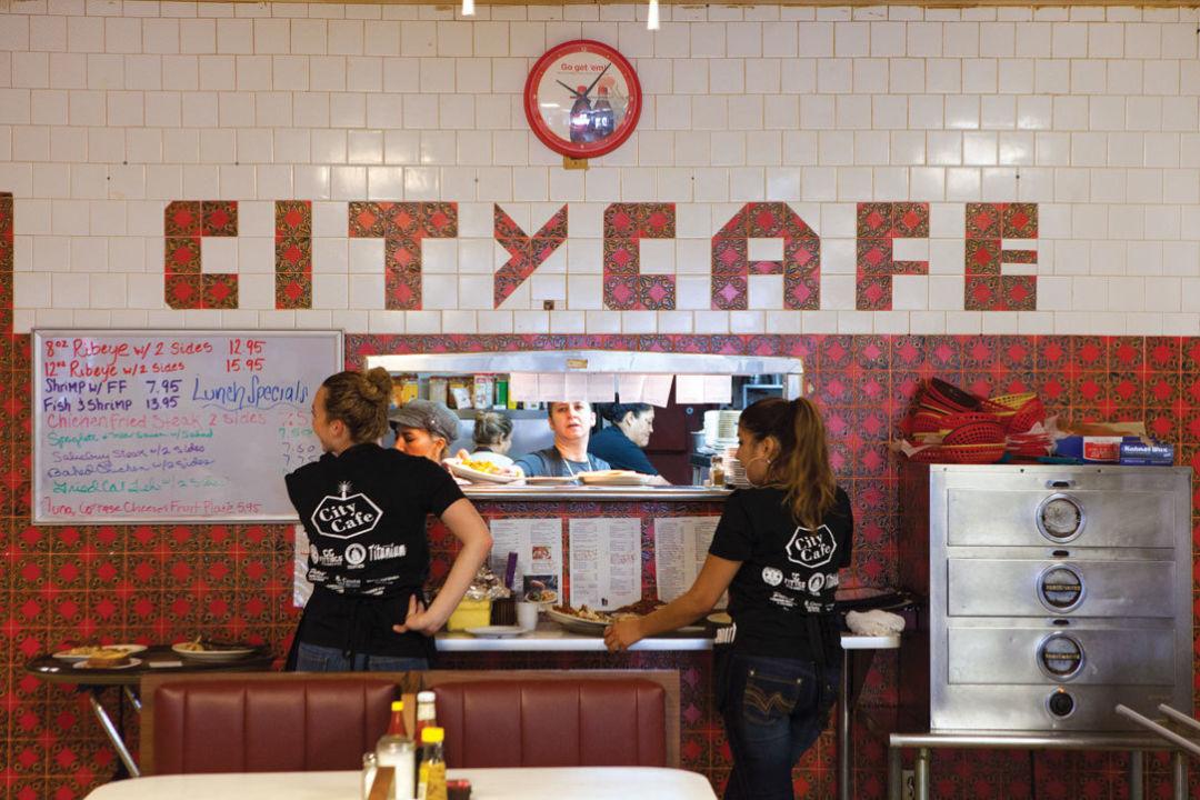 0215 comfort food diners city cafe wlr31f