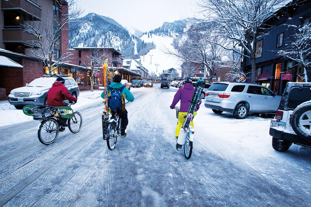 1114 snow bikers ur07ag