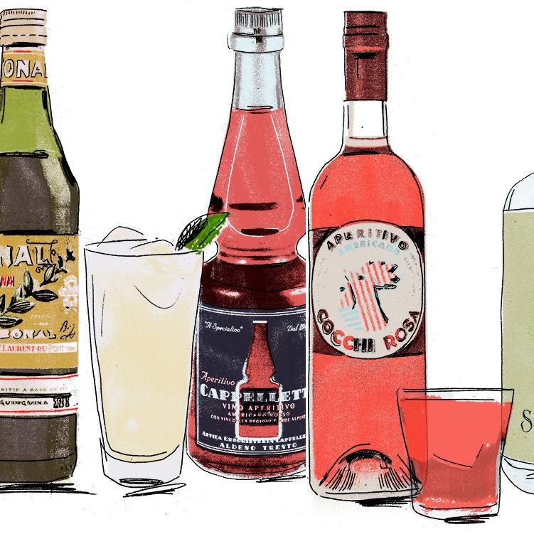 Bottles and cocktails overlap zlb7fg