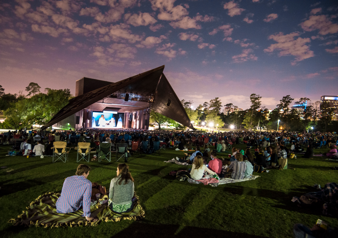 Do This Tonight Picnic At Miller Outdoor Theatre Houstonia