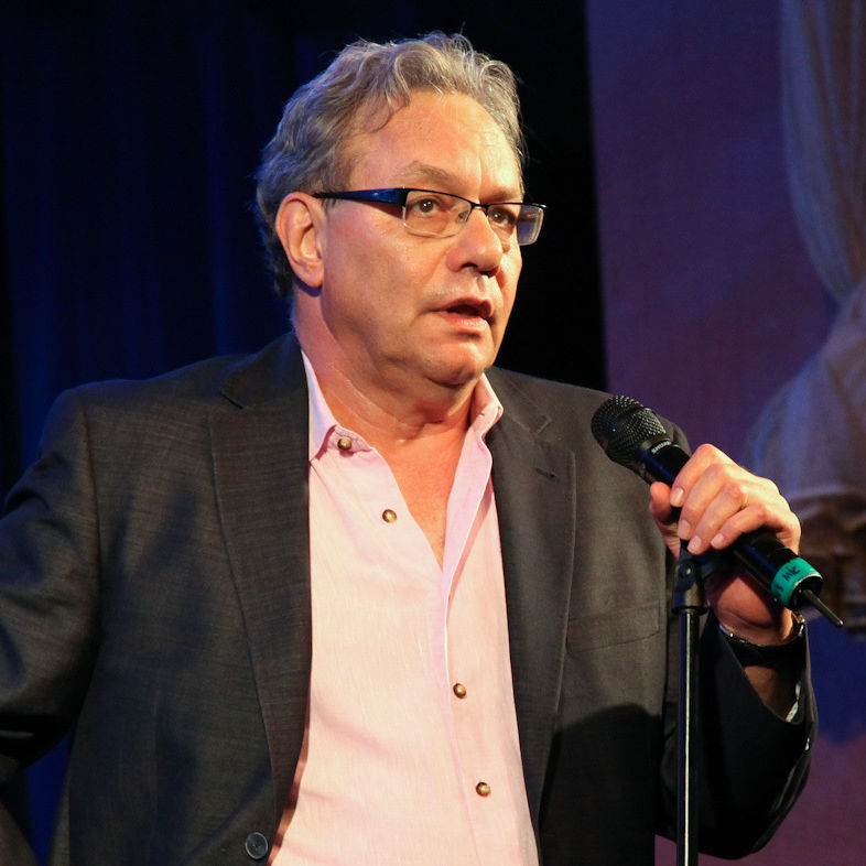 Lewis black tom gromak2 q8oxjf