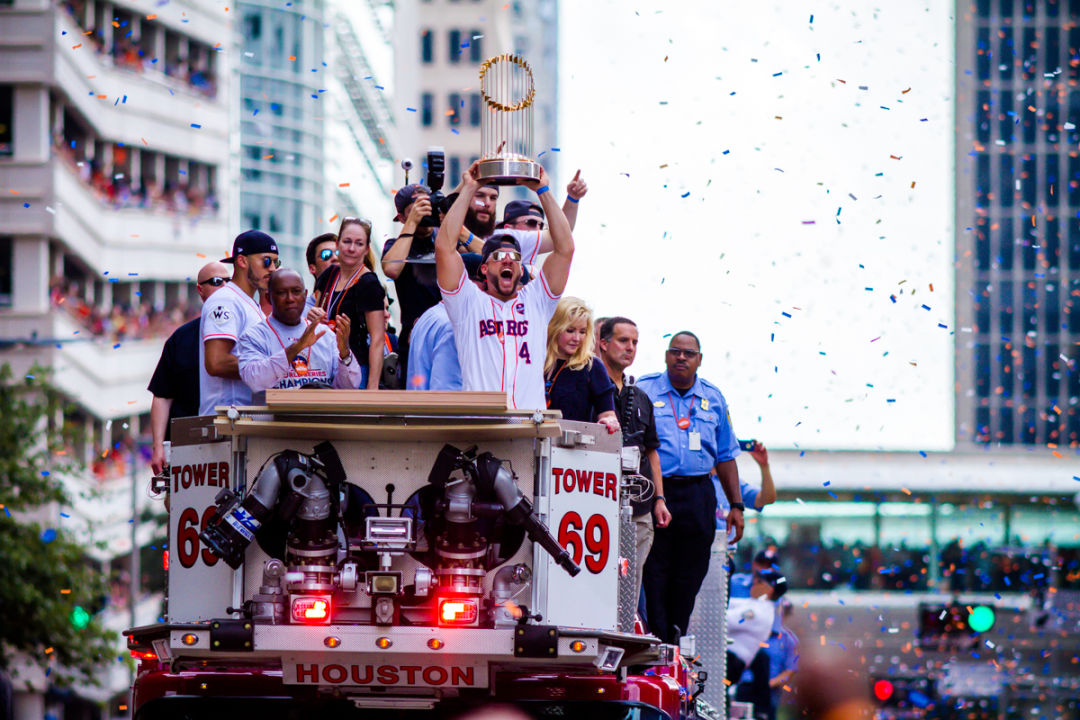 Astros victory parade 67 hjuumw