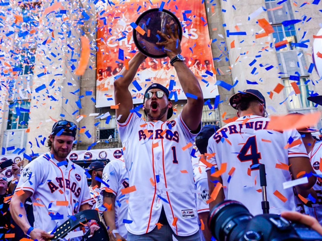 Astros victory parade 134 tzkec7