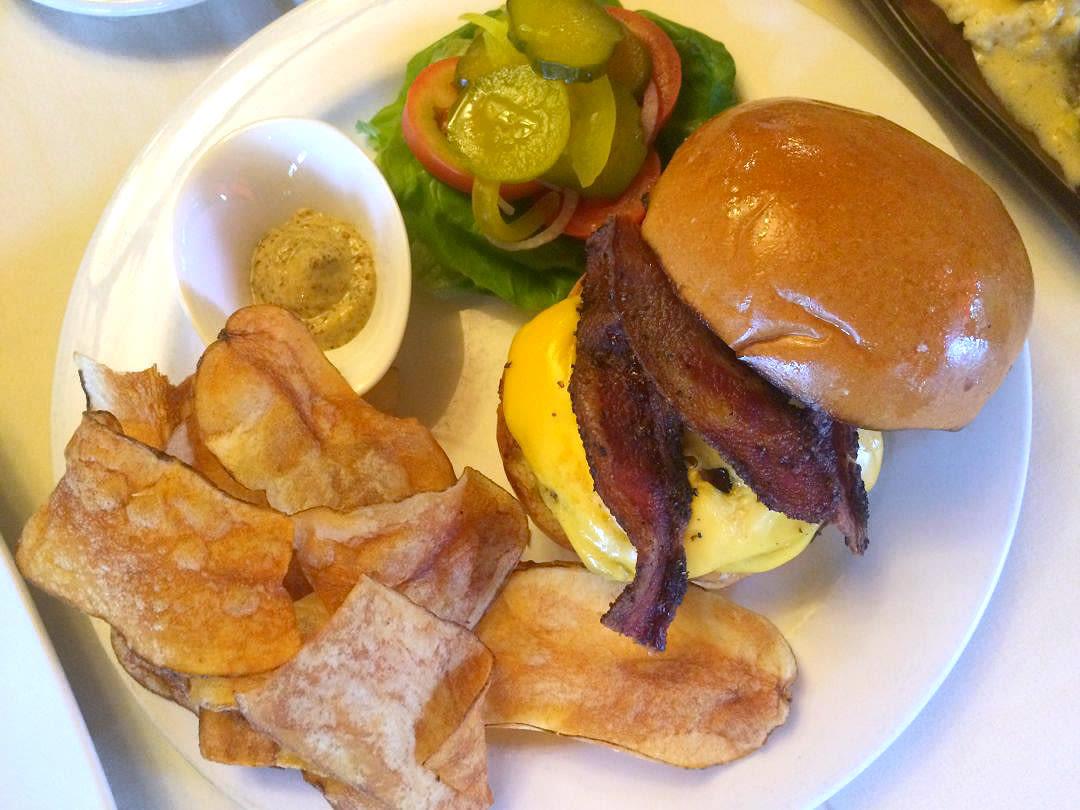 Rainbow lodge burger rwnohh