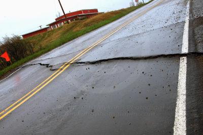 05 06 10 cracked highway wtrmrk nzidnc