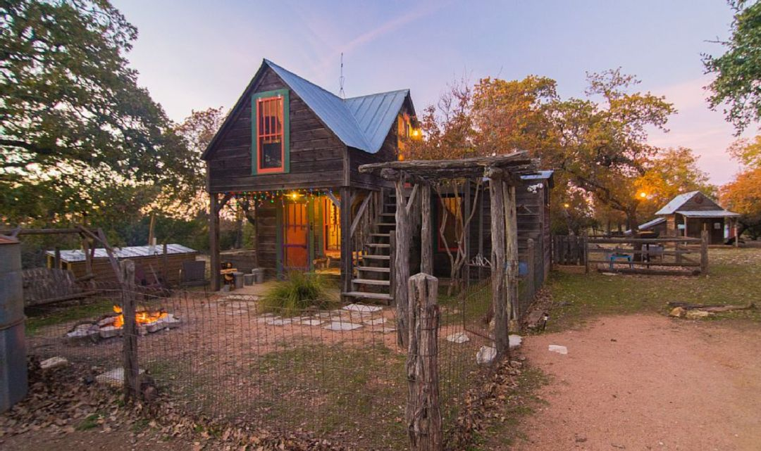 cottages bd rental the unit cottage fredericksburg creek barons carl tx blacksmith vacasa quarters vacation on in