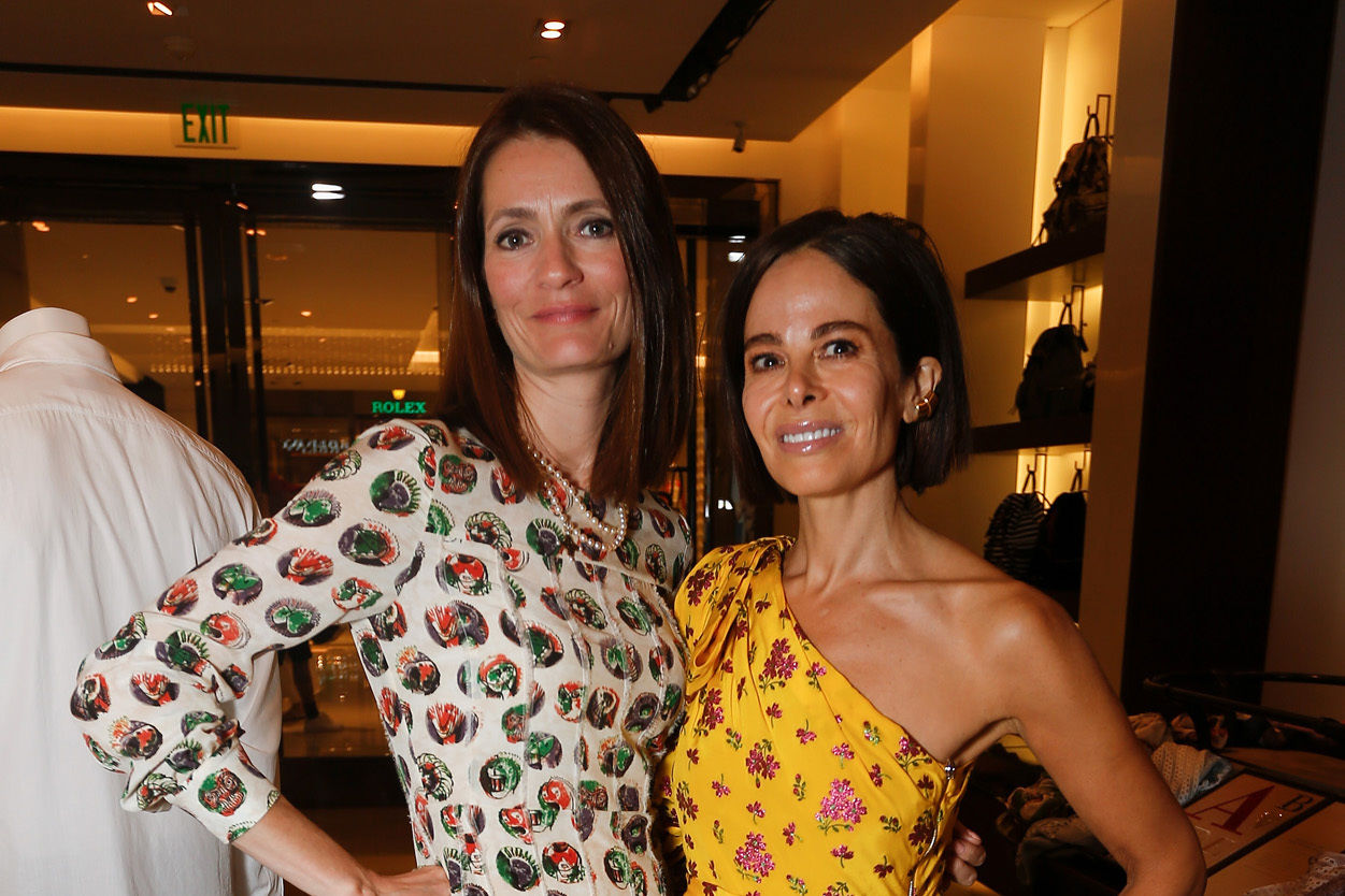 Plum sykes and allison sarofim at an event to celebrate the launch of plum sykes  new book  party girls die in pearls  at burberry houston galleria l6xqoz