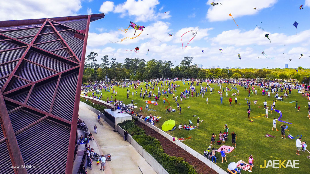 Kite festival image for community calendars vy6bli