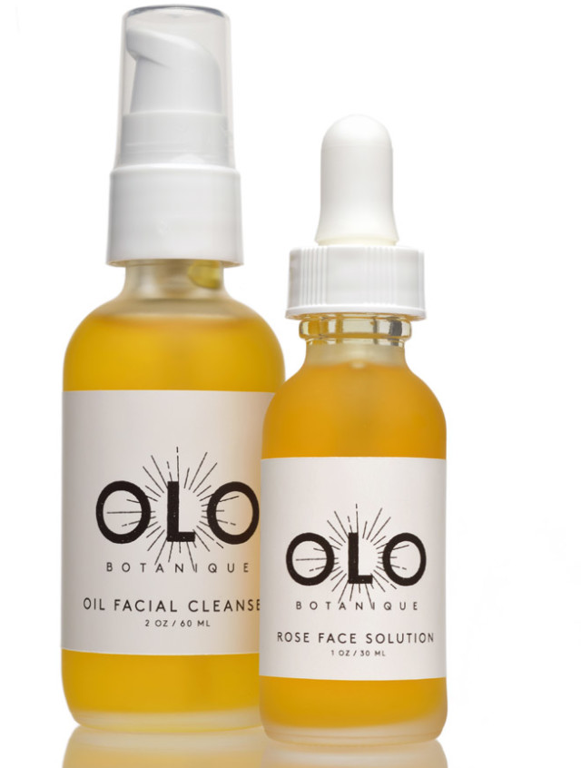 Facial cleanser and rose solution a  1  hlvuic