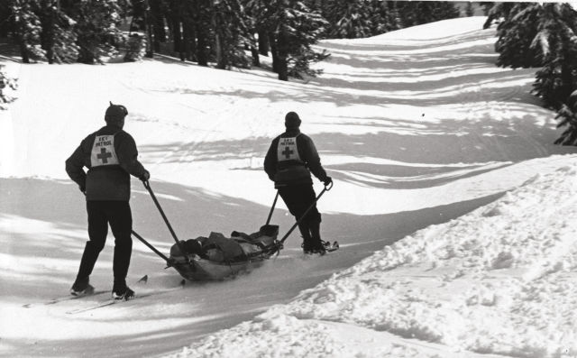 1217 mount hood guide ski patrol xs69ri