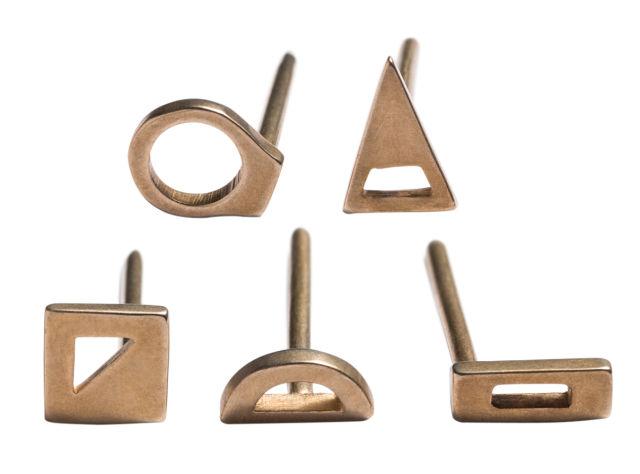 Pomo 0317 trophy case betsy and iya jewelry gwpbaz