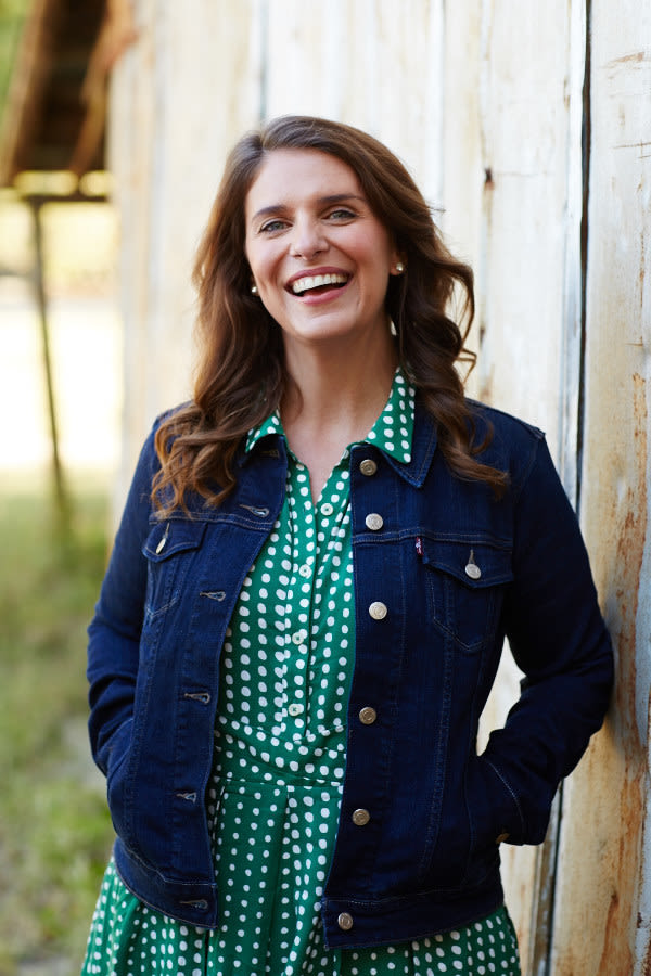 Vivian howard headshot stacey van berkel yjsxp8