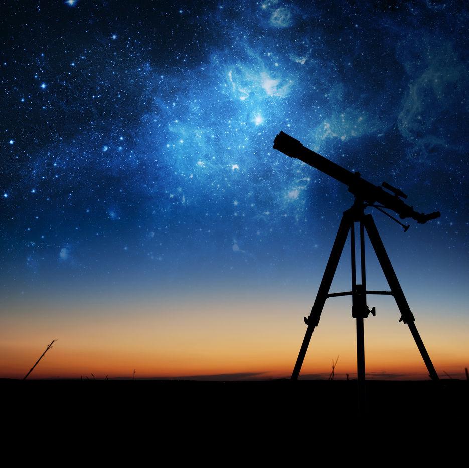 Starry night shutterstock 219375121 yugqm5