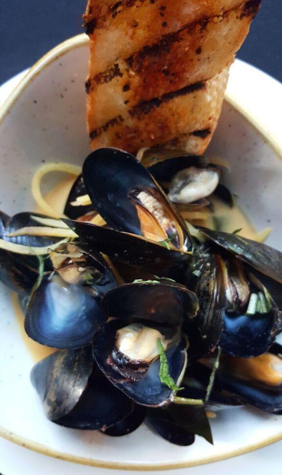 Thai curry mussels m6uwpl